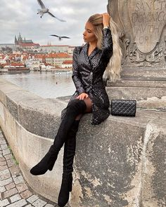 What do you think of me now mom: Photo Black Boots Outfit, Sexy Boots, Black Outfits, Cute Shoes Heels, Thigh High Boots Heels, Nice Legs, Fashion Boots, Style Fashion, Girl Outfits