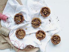 Nämä pienet ja suloiset pipari-suklaaherkut ovat loistava valinta pikkujoulun tarjottavaksi ja lisäksi ne ovat nopeita valmistaa.