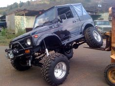 Black suzuki samurai yj spring conversion with missing links
