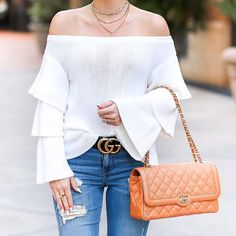 Clearly I have a thing for off the shoulder & bell sleeve tops! Sharing my favorite transitional sweater along with an amazing $1,000 Target #giveaway on StyledAdventures.com today!! (Link in bio) What would you buy at Target if you won?!? I'd buy a new patio set and outdoor decorations!! http://liketk.it/2qyVx