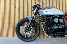 Kawasaki 400 By Bullit Garage
