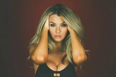 The always beautiful Emily Sears Emily Sears, Vans Style, Boobs, How To Look Better, Beautiful Women, Glamour, Long Hair Styles, Beauty, Sexy Teens