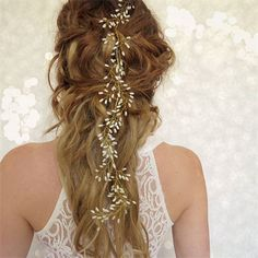 This gorgeous handmade baby's breath bridal hair vine is so elegant. A wedding hairpiece for any style of wedding from boho to glam!