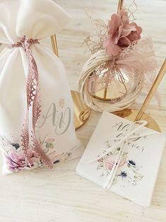 Δι Ευχών Μπομπονιέρες www.gamosorganosi.gr Place Cards, Gift Wrapping, Place Card Holders, Gifts, Gift Wrapping Paper, Presents, Wrapping Gifts, Favors, Gift Packaging