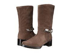 STUART WEITZMAN Skiparound. #stuartweitzman #shoes #boots