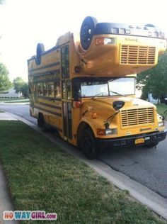 The Other Kind of Double Decker Bus - Funny WTF Pictures gathered from the farthest corners of the internet for the sole purpose of making you laugh. Cool Trucks, Big Trucks, Cool Cars, Bus Camper, Vw Bus, Campers, Volkswagen, Wheels On The Bus, House On Wheels