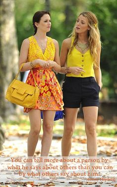 Gossip Girl - Blair and Serena - Leighton Meester and Blake Lively Gossip Girls, Moda Gossip Girl, Estilo Gossip Girl, Gossip Girl Outfits, Gossip Girl Fashion, Look Fashion, Fashion Styles, Spring Fashion, Fashion Beauty