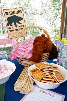 "Photo 1 of Camping/Woodsy / Birthday ""Camping Party for Ethan's Birt… - Modernes Picnic Birthday, 1st Birthday Parties, 9th Birthday, Birthday Ideas, Baby Shower Oso, Teddy Bear Birthday, Camping Parties, Picnic Parties, Camping Party Decorations"