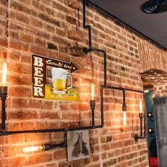 Diy Home Bar, Bars For Home, Basement Inspiration, Cool Basement Ideas, Basement Layout, Basement Designs, Rustic Basement Bar, Speakeasy Decor, Mini Bar