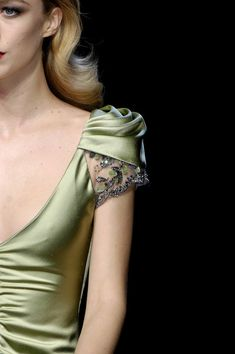Sleeve detail from the Valentino, Fall 2007 collection