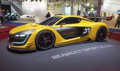 Renault Sport R.S. 01 - Perry Stern, Automotive Content Experience