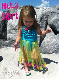 Toddler Hula Skirt. No sew! Gonna try to take the grandkids to Hawaii for Christmas....