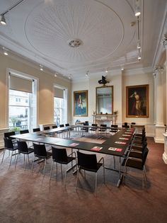 London Meeting and Conference room - Council Chamber