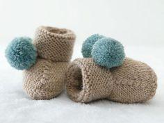 Tricot : chaussons à pompons