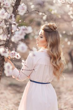 Be beautiful from within. Spring Photography, Fashion Photography Poses, Photography Women, Photography Photos, Creative Photography, Cherry Blossom Pictures, Spring Aesthetic, Spring Girl, Artsy Photos