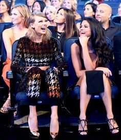 Taylor Swift and Selena Gomez backstage at the 2015 VMA Movie Awards in Los Angeles, California. / Getty Imag