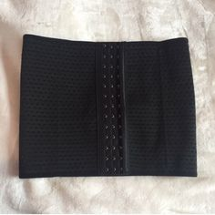 CHEAPEST ON DEPOP  - Customer feedback   Brands new black sport waist trainer with 4 steel bones made with a polyamide and spandex , a comfortable and breathable waist trainer than you can also workout in Size chart available 6 8 10 12 14 16 ONLY £7.50   ❤️How To Use a Waist Trainer  1. Your body must become accustomed to the constriction of the waist trainer. We recommend that the first few days of wearing the trainer to wear for limited amount of time 2-4 hours per day (depending on how…