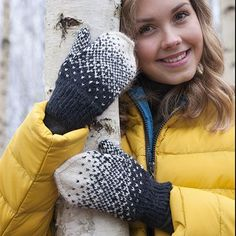 Rasteri-lapaset naisen neulotut lapaset ohut lanka villalapaset lankava inka puikot 3 Knitting Charts, Hand Knitting, Knitting Patterns, Knit Mittens, Mitten Gloves, Fingerless Gloves, Arm Warmers, Knit Crochet, Winter Hats