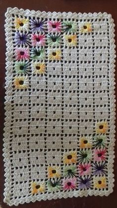 Jg tapetes para quarto - My WordPress Website Image gallery – Page 353673376986318814 – Artofit Crochet Round Cream White Doily Centerpiece Crochet Home De maybe that happens to all old knitters and crocheters. Crochet Diagram, Filet Crochet, Crochet Motif, Crochet Stitches, Flower Crochet, Crochet Bedspread, Crochet Blanket Patterns, Baby Blanket Crochet, Knitting Patterns