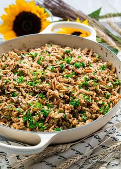 Get yourself ready for the holidays with this incredible harvest rice full of fall flavors. It's great for any weeknight yet perfect for your holiday spread