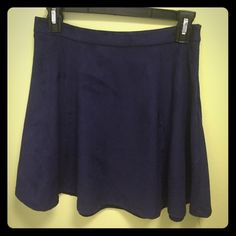NWT Forever 21 high waisted skirt never worn, so cute just not the right size for me, suede, navy, high waisted skirt. fits more like a small Forever 21 Skirts