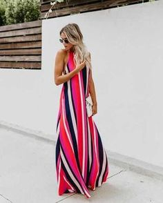 From the serious rainbow fever, we have today this article that has dominated the summer looks and that guarantees a very high air in the productions,. Fashion Foto, Fashion Week, Girl Fashion, Fashion Dresses, Womens Fashion, Fashion Tips, Halter Maxi Dresses, Dress Skirt, Dress Up