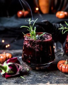 Smoky Black Widow Smash This Black Widow Mezcal Cocktail is sure to be a smash hit with your Halloween guests. Get the recipe from Half Baked Harvest. Cocktail Drinks, Cocktail Recipes, Alcoholic Drinks, Beverages, Cocktail Glass, Summer Cocktails, Fancy Drinks, Margarita Recipes, Gastronomia