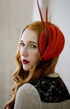 LOVE that headpiece! Via || in the woods by theancientmuse on Etsy #headdress #vintage