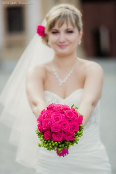 Lovely fuchsia-green wedding flower will be a marvelouse detail to your perfect wedding in Prague/ Czech Republic!