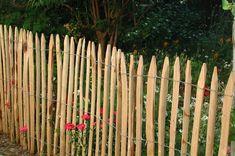 Woodline Kastanien Staketenzaun m - Abst. Garden Fence Panels, Fence Gate, Garden Fencing, Garden Tools, Garden Ideas, Fence Screening, Rustic Fence, Flowering Trees, Acacia Wood