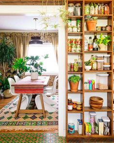27 Chic Bohemian Interior Design You Will Want To Try – Interior Remodel – Home Decor Apartment Cozy Kitchen, Kitchen Decor, Kitchen Ideas, Kitchen Shelves, Wood Shelves, Kitchen Interior, Kitchen Plants, Kitchen Display, Pantry Ideas