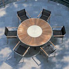 O-zon eettafel met stoelen