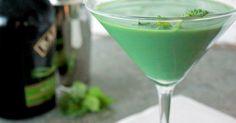 Mint shamrock martini cocktail recipe - Everyday Dishes & DIY
