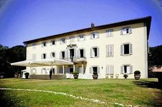 Historica wedding Villa, Lucca, Tuscany  #wedding #weddingplanner #weddingvenue #weddingvenueitaly #italywedding #italianwedding #weddinginitaly #destinationwedding