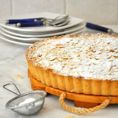 Cooking with Manuela: Almond Tart