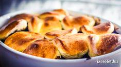 1. A füstölt és a kolozsvári szalonnát felcsíkozzuk, egy nagyobb edényben kiolvasztjuk a zsírját, majd a szalonnát kivesszük a zsírból és félretesszük. Közben a … Bread, Food, Essen, Breads, Baking, Buns, Yemek, Meals