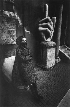 Jeanloup SIEFF :: For Harper's Bazaar at Musei Capitolini with hand of the Emperor Constantine, Italy, 1962