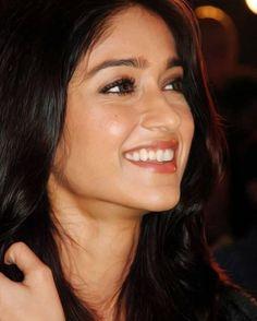#great #smile #ileanadcruz #ileana #Bollywood #Silverscreen #Evergreen #i…