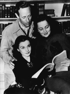 Leslie Howard, Vivien Leigh and Olivia De Havilland reading for Gone with the Wind Hooray For Hollywood, Golden Age Of Hollywood, Hollywood Stars, Classic Hollywood, Old Hollywood, Classic Movie Stars, Classic Movies, British Actresses, Actors & Actresses