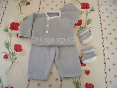 photo tricot modele tricot bebe bergere de france gratuit 3 Baby Boots, Baby Patterns, Baby Wearing, Knitting Projects, Rompers, How To Wear, France 5, Catalogue, Dresses