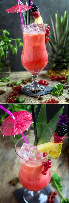 """Il cocktail '50🍹 è una rivisitazione in chiave analcolica della celeberrima Pina Colada🍍. Un cocktail """"tutte le ore"""" da bere di pomeriggio 🌇 o nel tardo dopocena 🌃, lasciatevi conquistare! 😊 Vi aspetto sul blog per la ricetta!😋😉  #Analcolico #Ananas #Benefico #Caraibi #Cocktail #Drink #Pina Colada #Porto Rico #Ricette #Ricordi #Salute #Spiaggia  #Bar #Drink #Glass #Instagood #Photooftheday #Pub #Slurp #Yummy #Instafood #Foodaddict #Foodart #Foodblog #F Porto Rico, Pina Colada, Hurricane Glass, Margarita, Food Art, Juice, Cocktails, Tableware, Mint"""