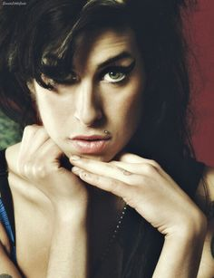 Amy Winehouse D59ba419801ad15a0d9305c5f8aad582