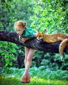 Me/Lexie Muncy- she is a character inspiration for a little girl in my new series Eventyr. She helps Elisa Rose learn about being a fox. Previous - Le renard et l'enfant Animals For Kids, Animals And Pets, Baby Animals, Cute Animals, Beautiful Creatures, Animals Beautiful, Tier Fotos, Beautiful Children, Belle Photo