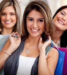 978f45f292b Comprar ropa de mujer es barato con estos sitios. Ropa para mujeres de  marca Guess