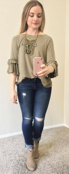 I love this olive green top for fall!