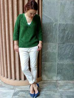 IENA渋谷ヒカリエShinQs|イエナ渋谷 giiさんのニット/セーター「ギマCOTTON Vネックプルオーバー。」(IENA|イエナ)を使ったコーディネートです。