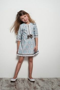 Inspiration for traditional classic girls clothing! Fashion Kids, Little Girl Fashion, Little Fashionista, Little Girl Dresses, Girls Dresses, Stylish Kids, Classic Outfits, Kind Mode, Kids Wear