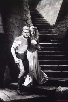 Buster Crabbe and Jean Rogers - Flash Gordon (1936)