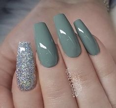 Attractive Acrylic Green and Blue Glitter Coffin NailsTo Try This Winter – Page 14 – Chic Cuties Coffin Nails Long, Long Nails, My Nails, Short Nails, Best Acrylic Nails, Acrylic Nail Designs, Acrylic Art, Acrylic Nails Green, Pastel Nails