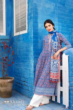 Buy Online Khaadi Printed Lawn Collection 2017 - AN Fabrics Pakistani Lawn Suits, Pakistani Outfits, Indian Outfits, Ethnic Fashion, Asian Fashion, Indian Attire, Indian Wear, Indian Style, Pakistan Fashion